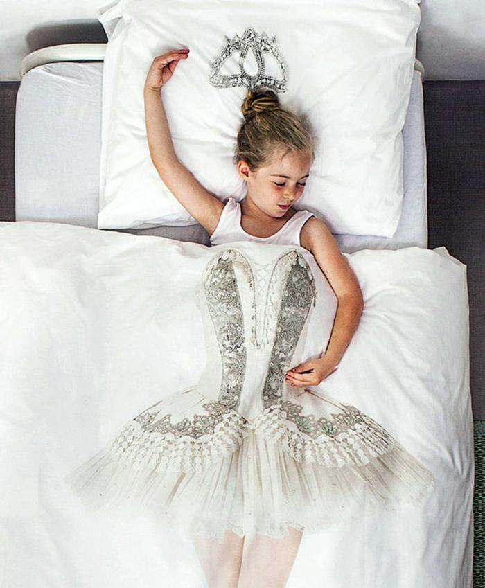 originelle-Idee-Ballerina-Decke-Mädchen-Schlafzimmer