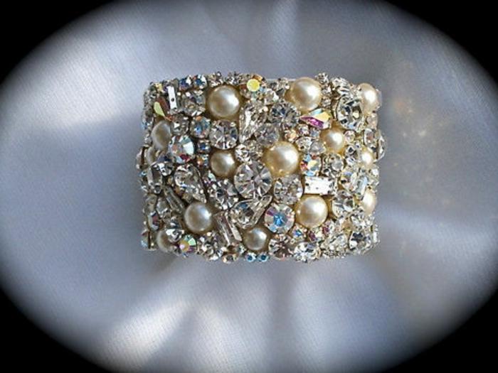 perlen schmuck-armband-mit-einem-einmaligen-aussehen