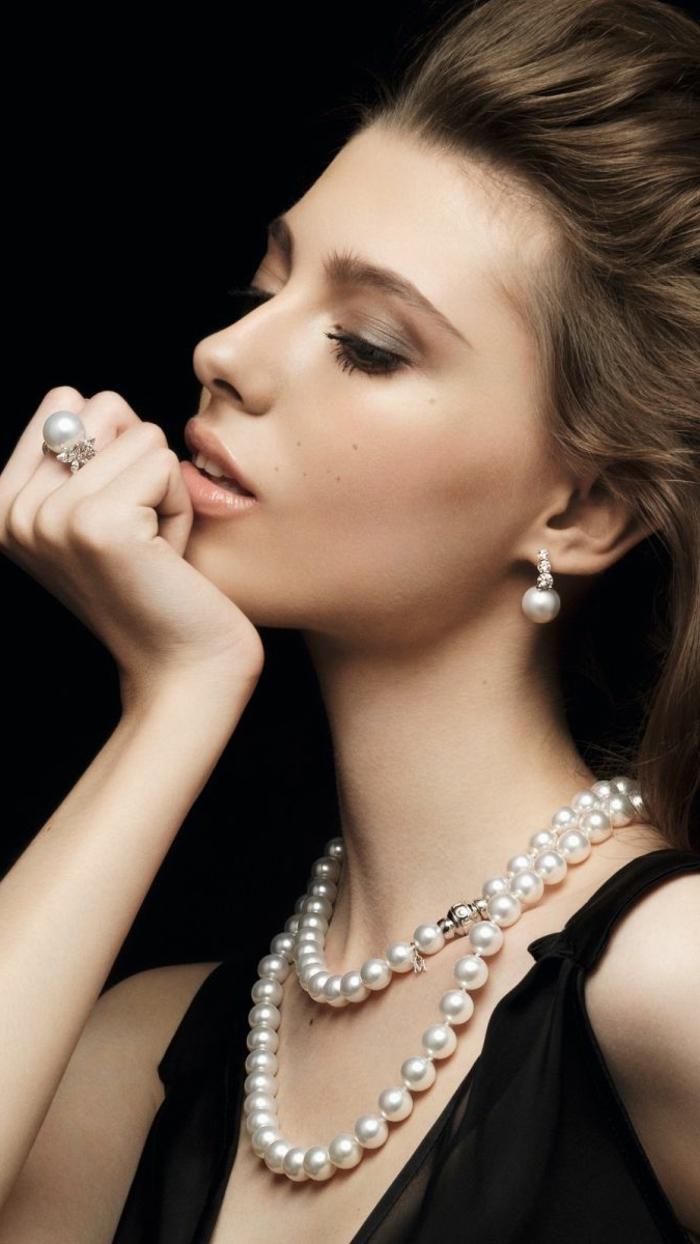 perlen schmuck-eine-sehr-elegante-junge-dame