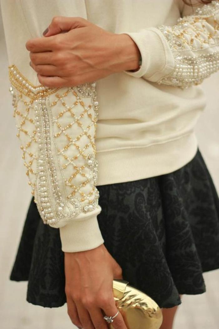 perlen schmuck-interessante-weiße-bluse