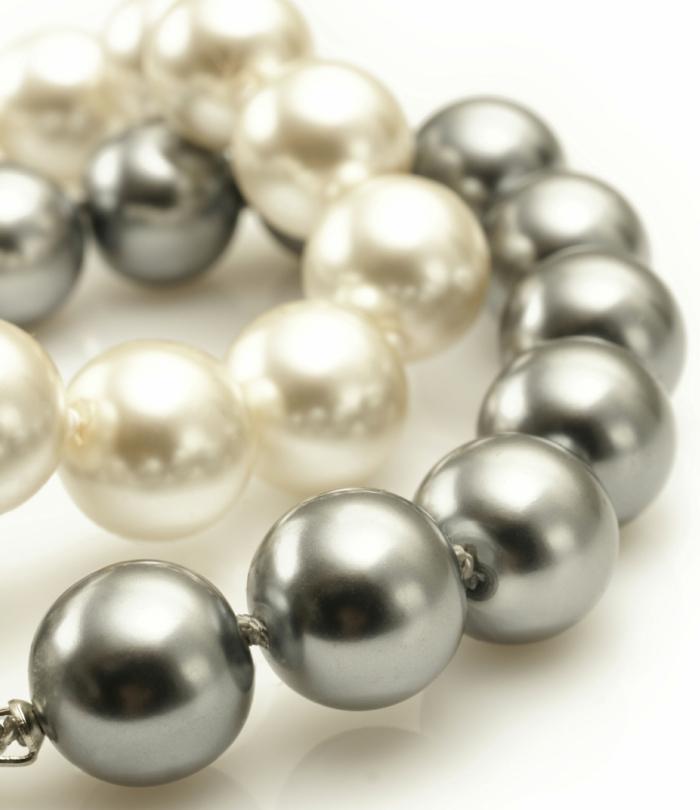 perlen schmuck-weiß-und-grau-zusammenbringen
