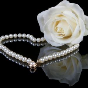 Perlenschmuck: ein Muss für die Damen!