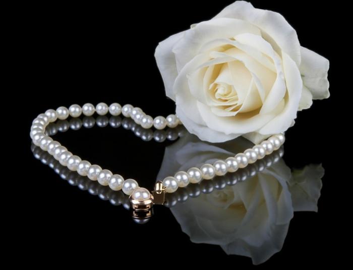 perlen schmuck-weiße-rose-als-akzent