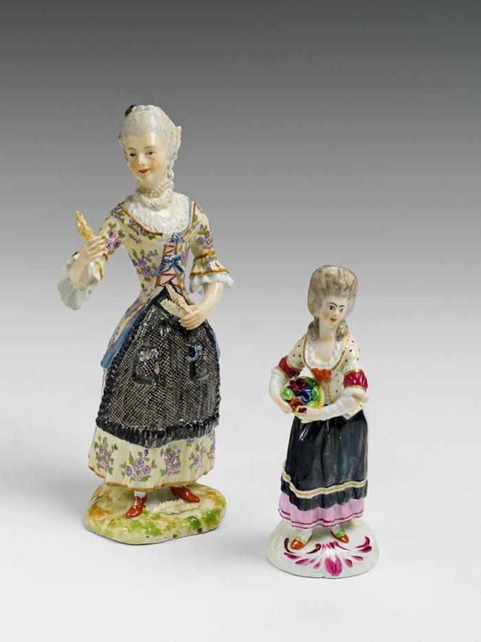 porzellan-figuren-eine-dame-und-ein-kind