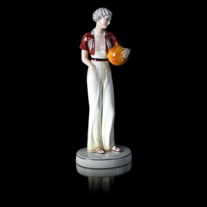 porzellan-figuren-eine-männliche-figur