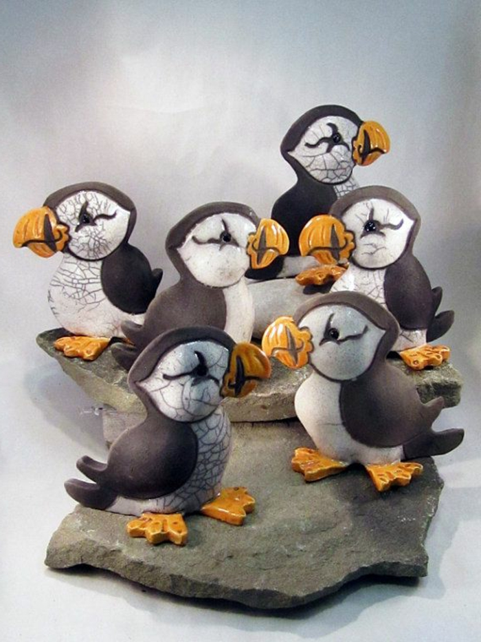 porzellan-figuren-kleine-pinguins-nebeneinander