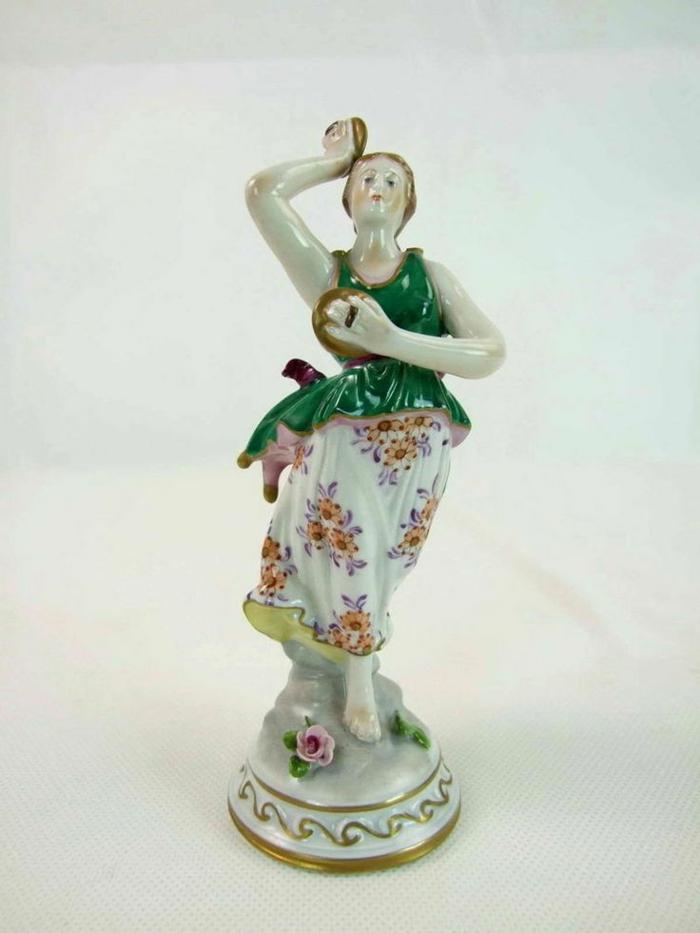 porzellan-figuren-sehr-originelles-modell