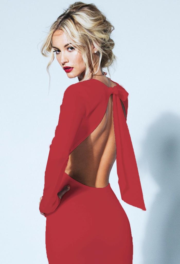 rückenfreies-kleid -rotes-modell