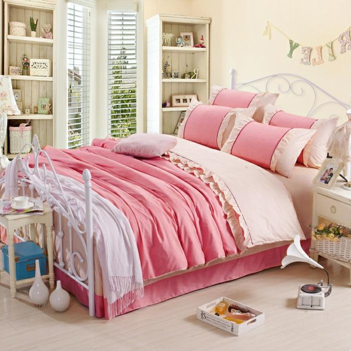 romantische-Schlafzimmer-Gestaltung-shabby-chic-Stil-rosa-Nuancen