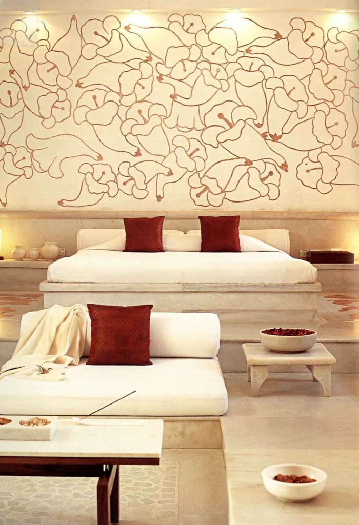 romantisches-bett-goldene-akzente-im-schlafzimmer