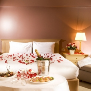 Romantisches Bett gestalten: 25 Ideen!