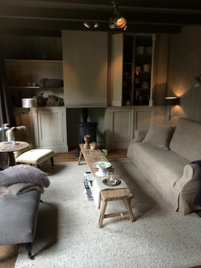 couchtisch hocker gallery of khles luxurises und groes haus altholz couchtisch aufbau barhocker. Black Bedroom Furniture Sets. Home Design Ideas