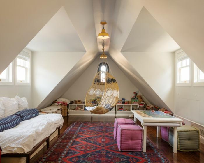 schaukel-im-kinderzimmer-dachwohnung-weiße-farbe