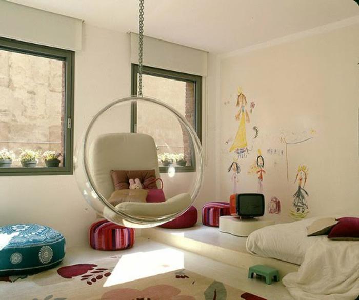 schaukel-im-kinderzimmer-gemütliches-ambiente-weißes-bett-modell