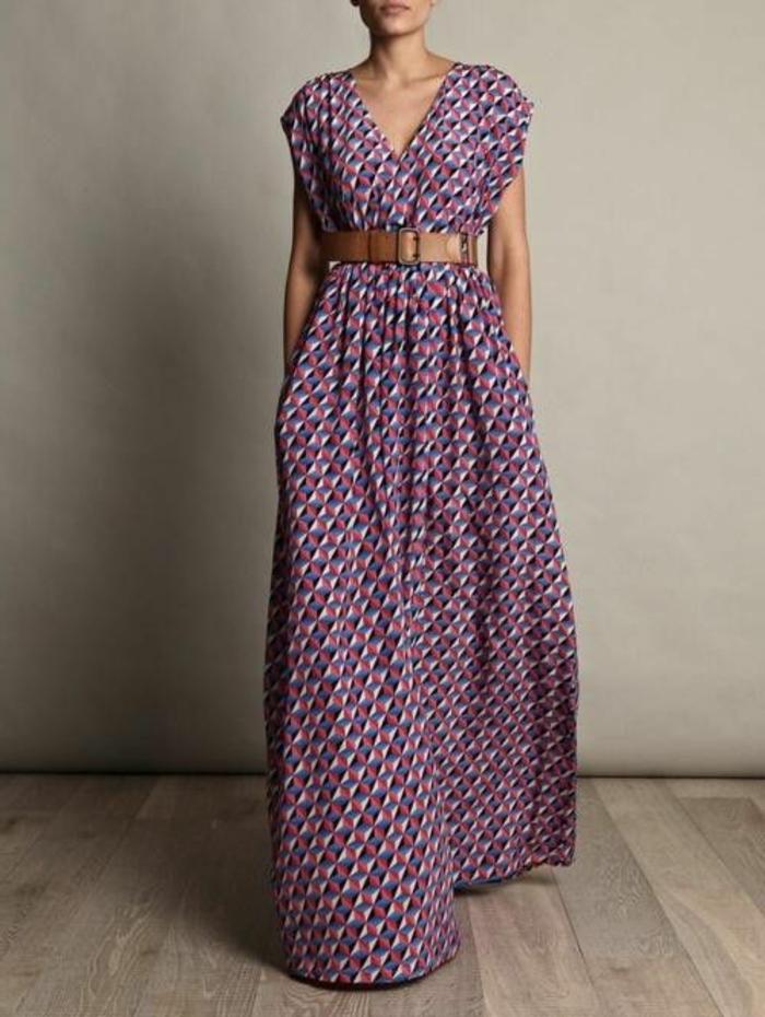 schlichtes-Modell-Boho-Kleid