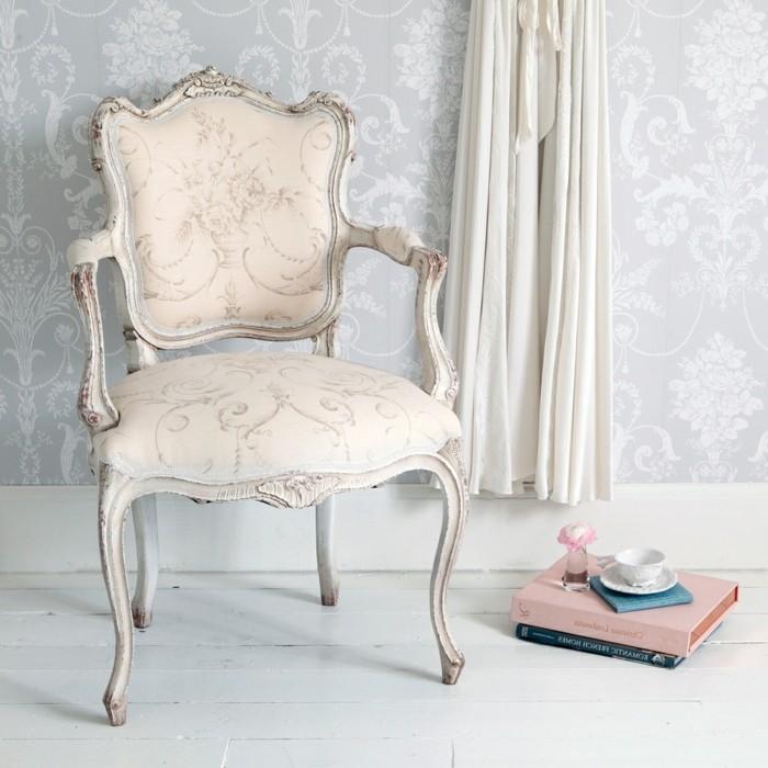 sessel-in-weiß-aristokratisches-modell-mit-schöner-form