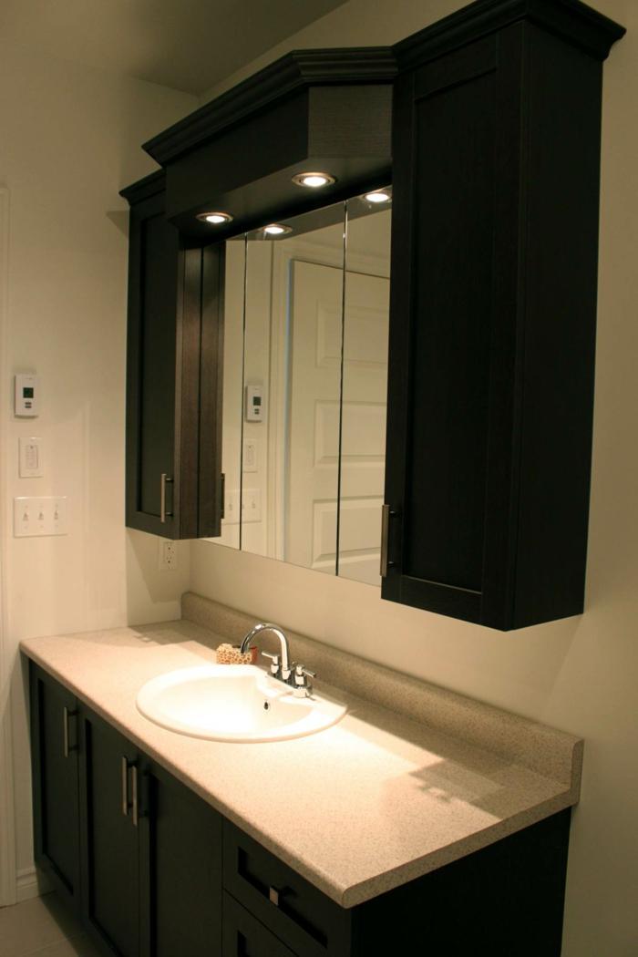 spiegel-beleuchtung-Wandschrank-für-Badezimmer