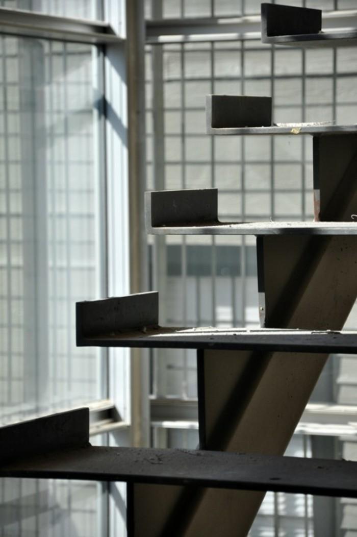 Einige Originelle Designs Von Stahltreppen
