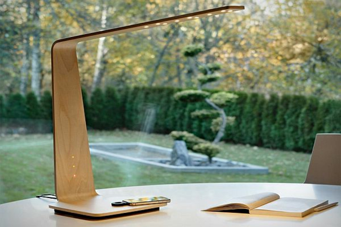 stehlampe-aus-holz-einmaliges-modell