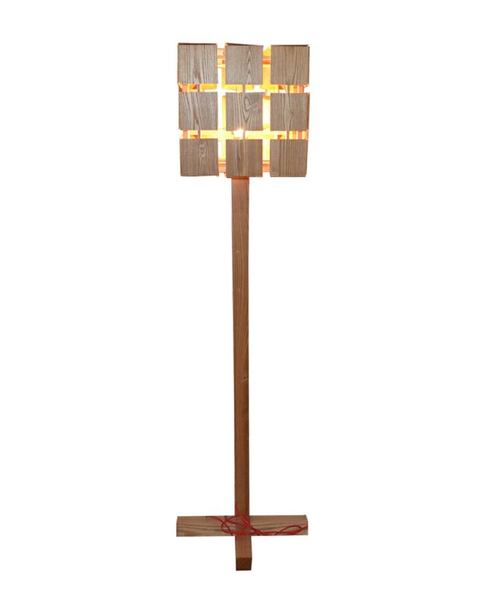 stehlampe wei holz moderne original design m stehlampe. Black Bedroom Furniture Sets. Home Design Ideas