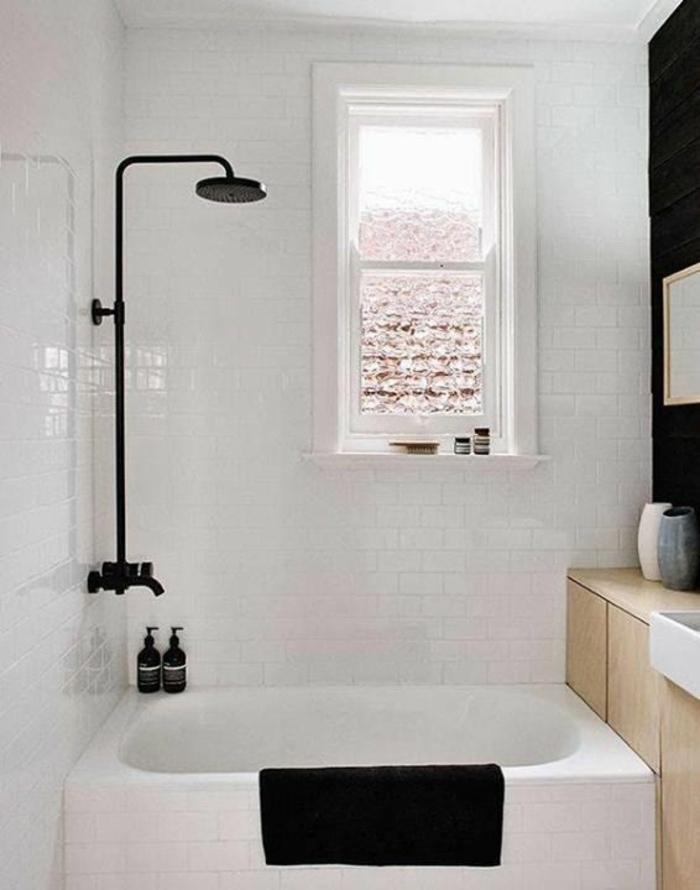 stilvolle-Badezimmer-Gestaltung-schwarz-weiß