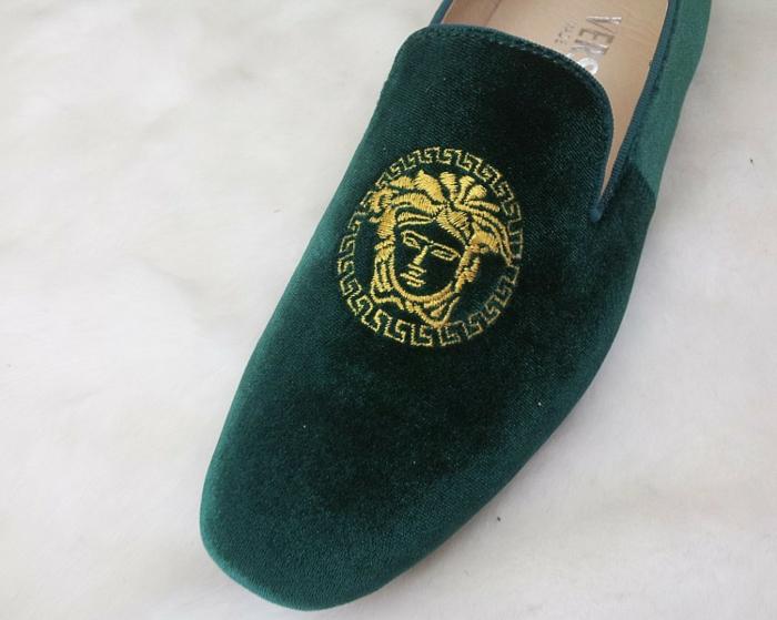 versace-schuhe-grünes-modell