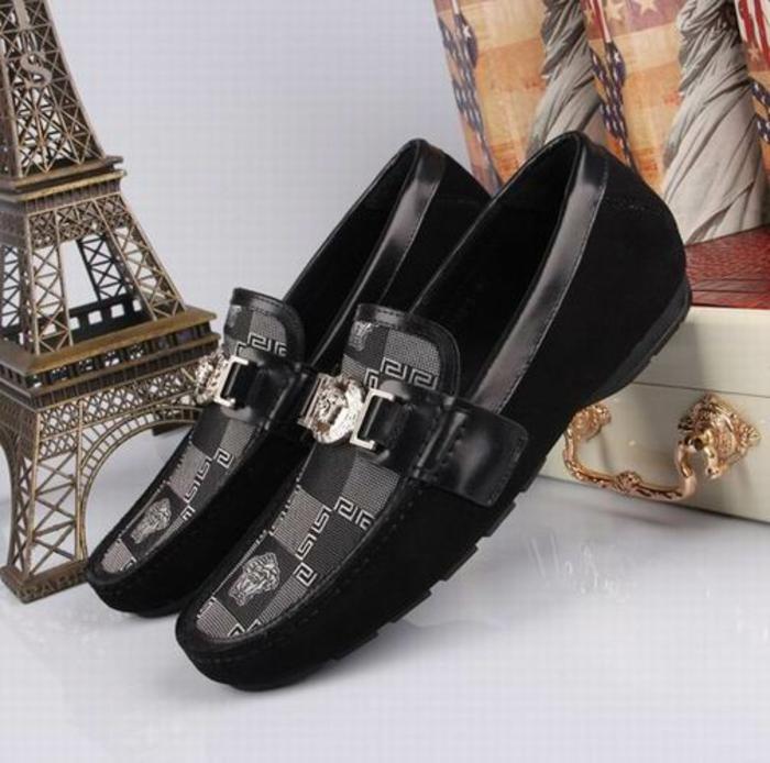 versace-schuhe-schwarze-design-toll-gestaltet