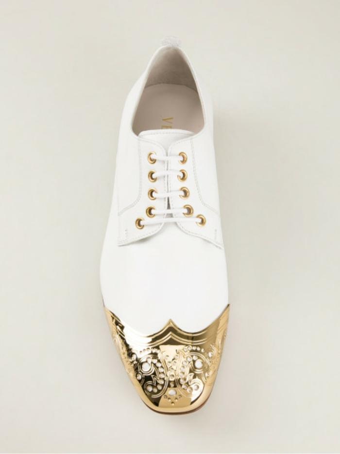 versace-schuhe-weißes-design