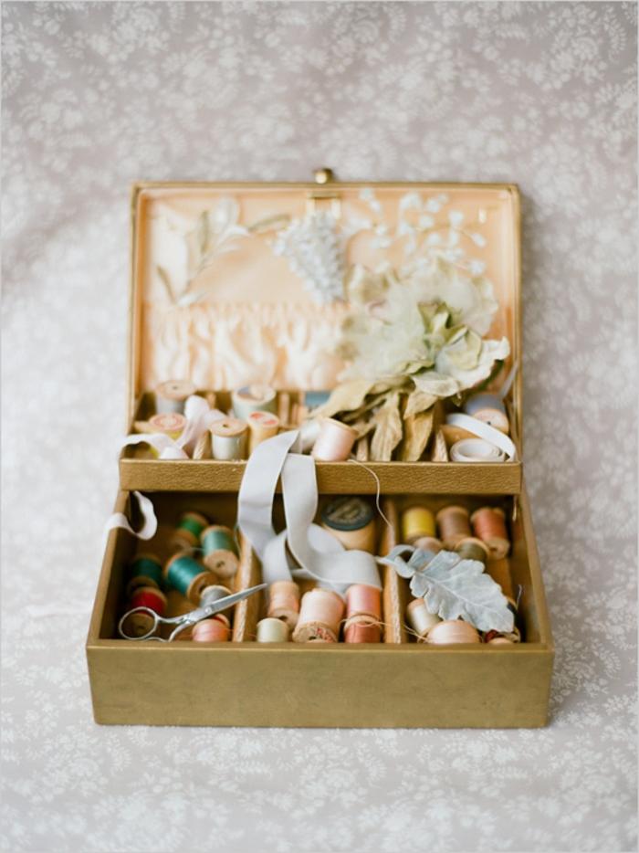 vintage-accessoires-Näharbeit