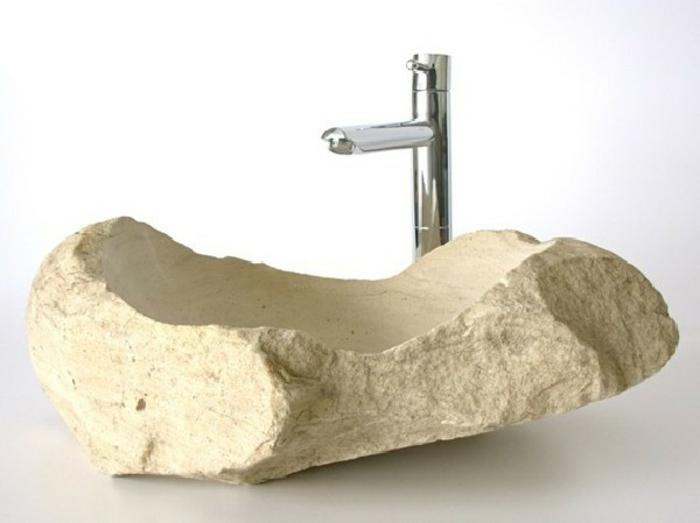waschbecken-aus-stein-weißer-hintergrund