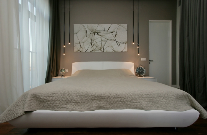 weiße-betten-einmaliges-schlafzimmer