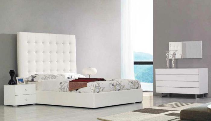weiße-betten-graues-schlafzimmer