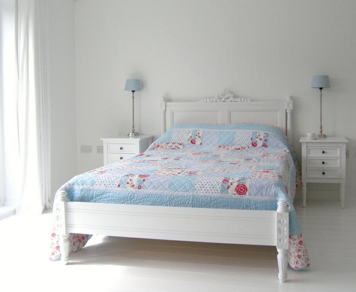 weiße-betten-kleines-schlafzimmer