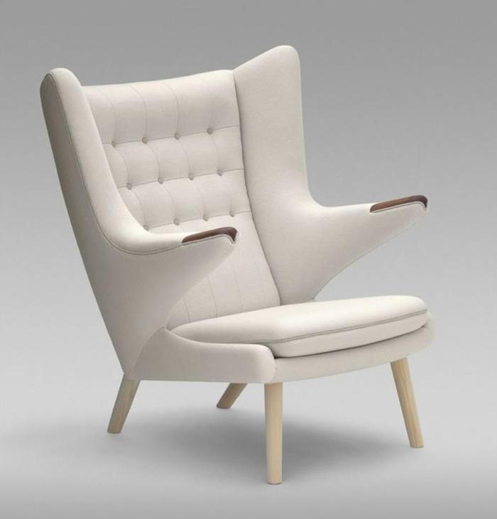 weißer-Sessel-Designer-Modell-bequem-exquisit