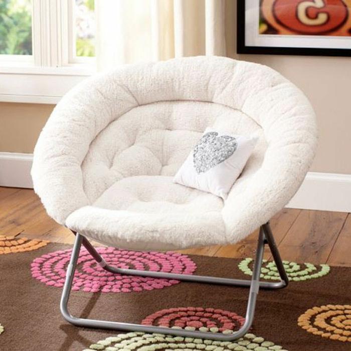 weißer-Sessel-weich-bequem-schick