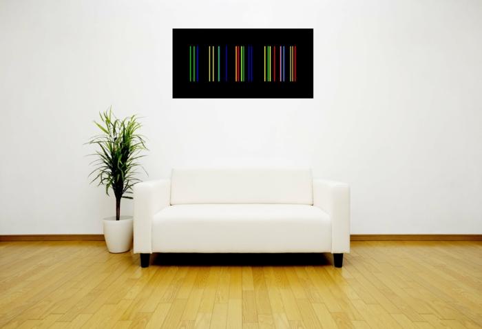 weißes-Sofa-eine-Person-Topfpflanze-minimalistisches-Interieur