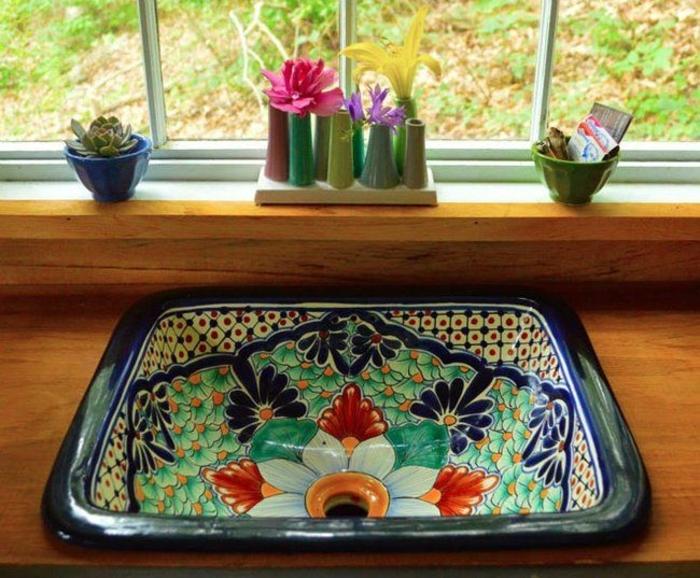 wunderschönes-mexikanisches-keramisches-Waschbecken-Blumen-Badezimmer-Ideen