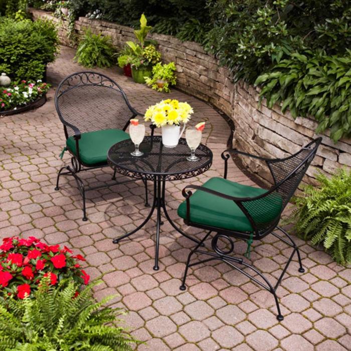 Bistro-tisch-mit-stühlen-schwarz-grün-sitz