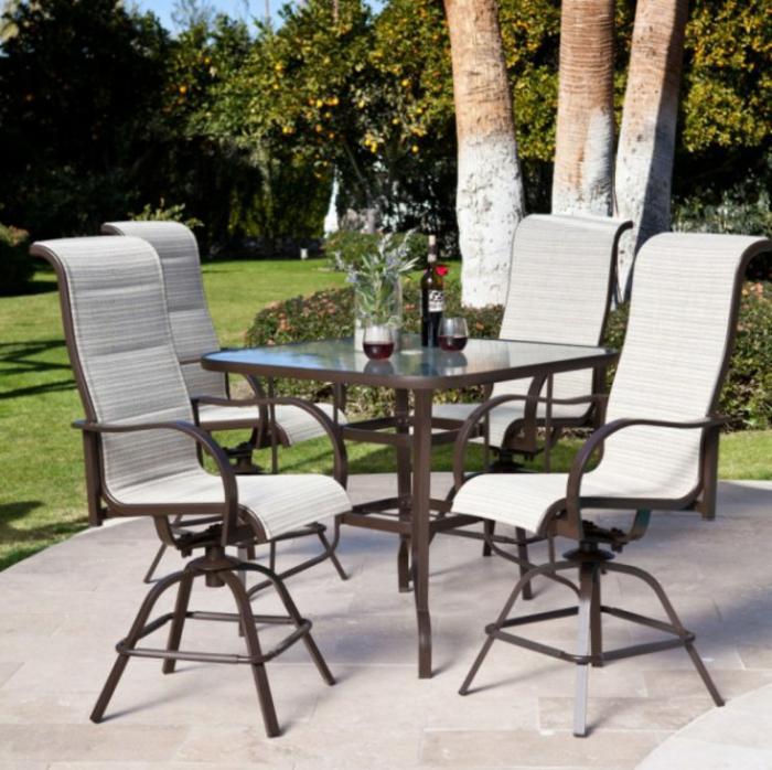 Bistro-tisch-mit-stühlen-weiße-stühlen