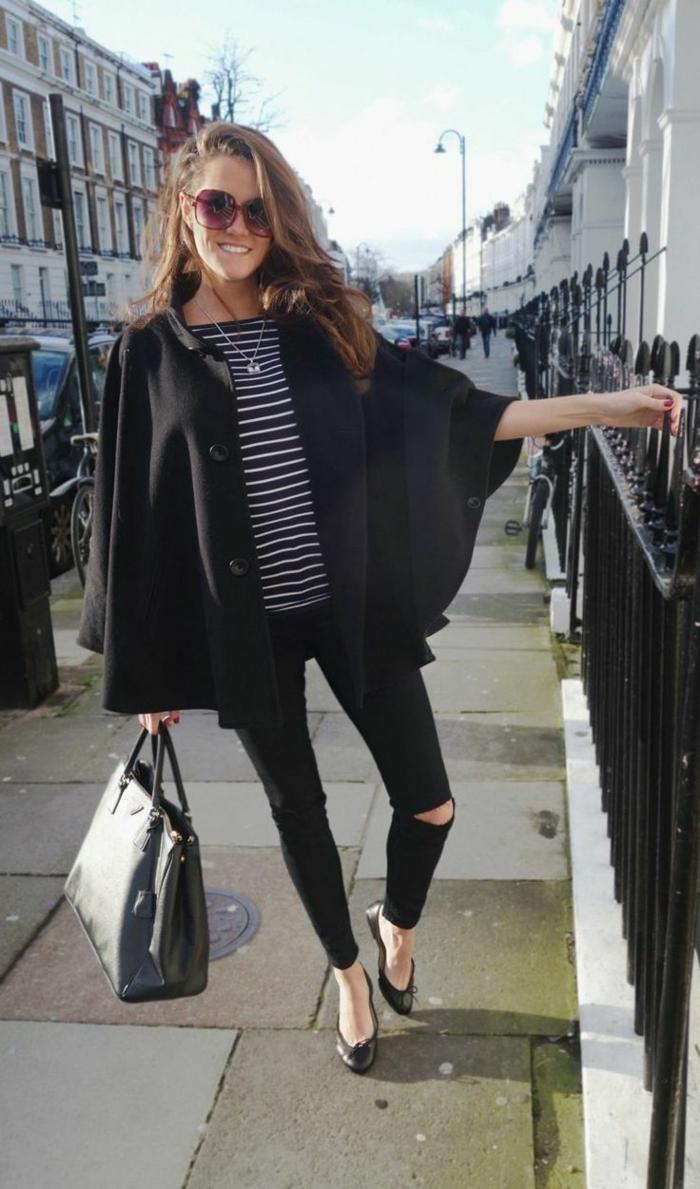 Chelsea-Capers-cape-mantel-schwarz-Jeans-stilvoll-elegant