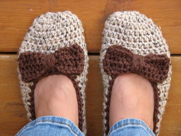 Crochet-Damen-Hausschuhe-beige-braun