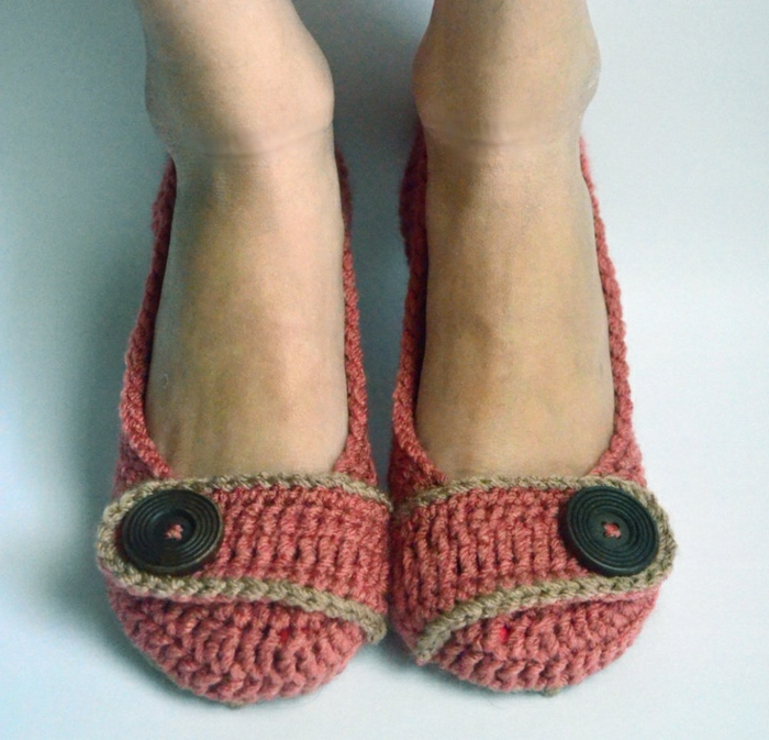 Crochet-Hausschue-Damen-Knöpf-Dekoration