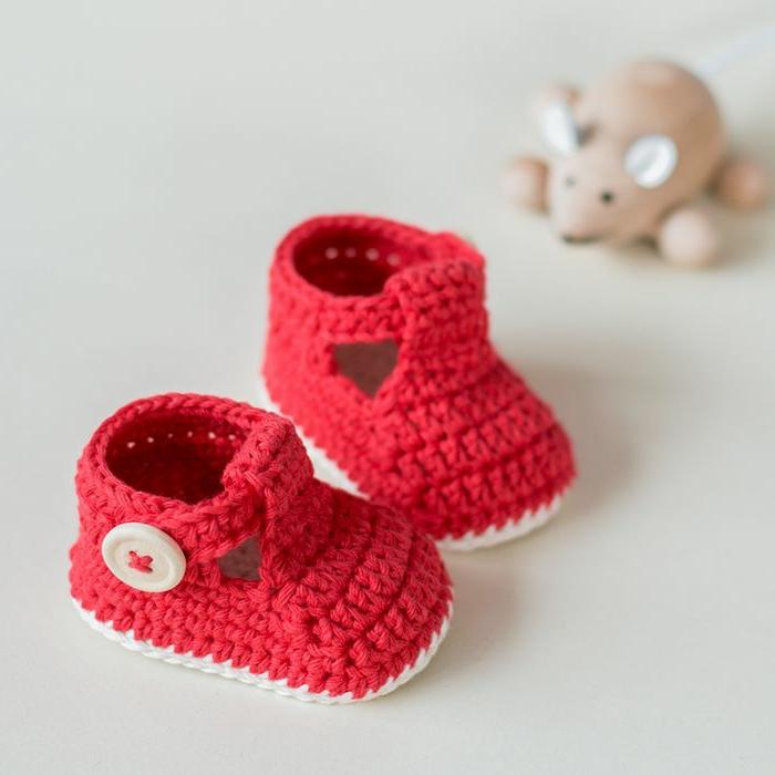 Crochet-Modell-Baby-Hausschuhe-rot