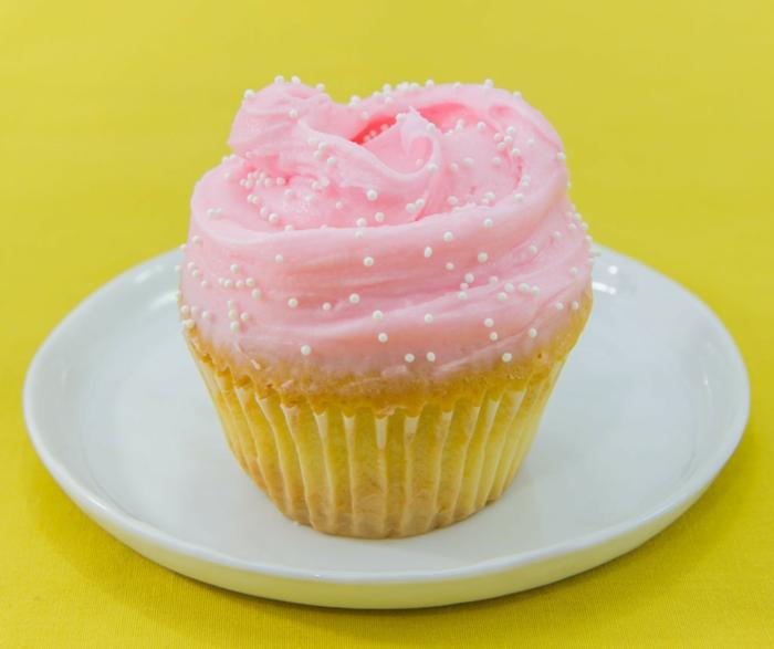 Butter-Vanille-Cupcakes-Frosting-rosa-wunderschön-kokett