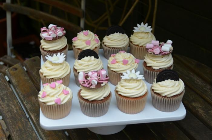 Cupcakes-Vanille-Zitronen-Creme-Cookies-Dekoration