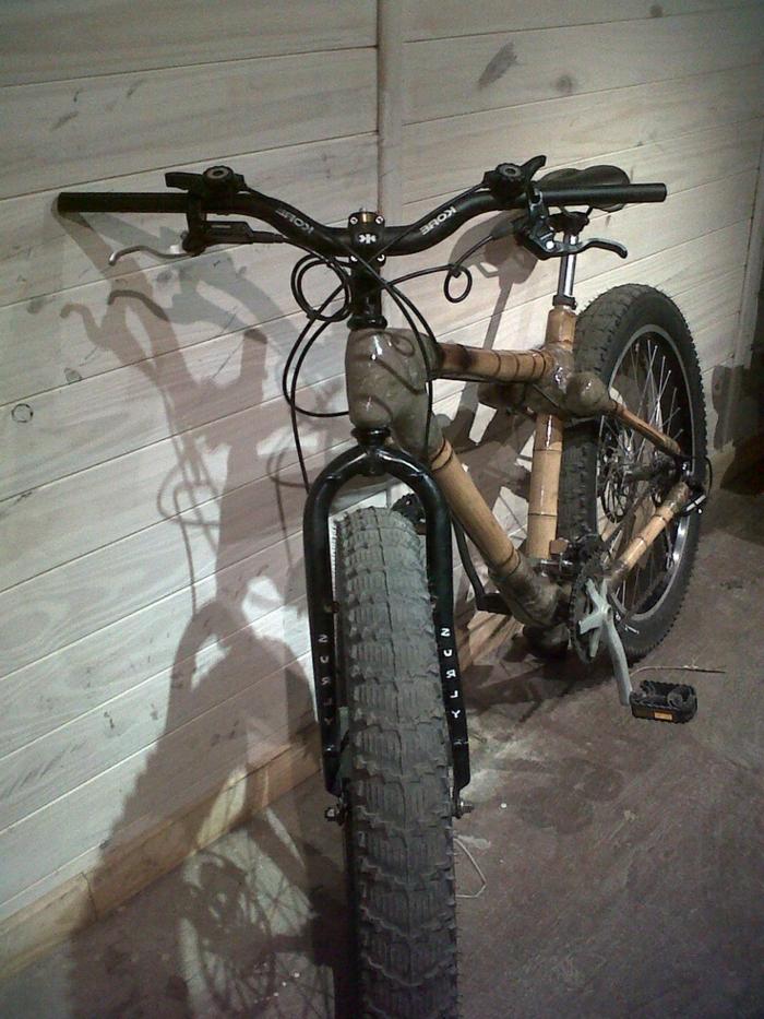 Fahrrad-breite-Räder-Bambus-Rahmen-cooles-Design