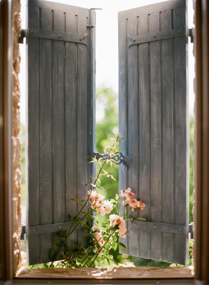 Fensterläden-Holz-vintage-romantisch-Blumen