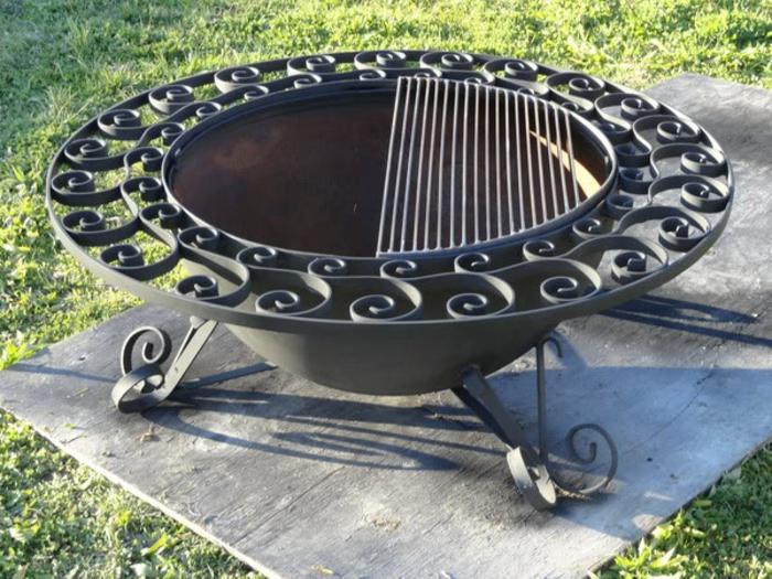 Feuerschale-mit-Grill-isern-design-