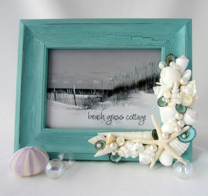 Foto-Rahmen-türkis-Farbe-Muscheln-Deko-Perlen-Seesterne