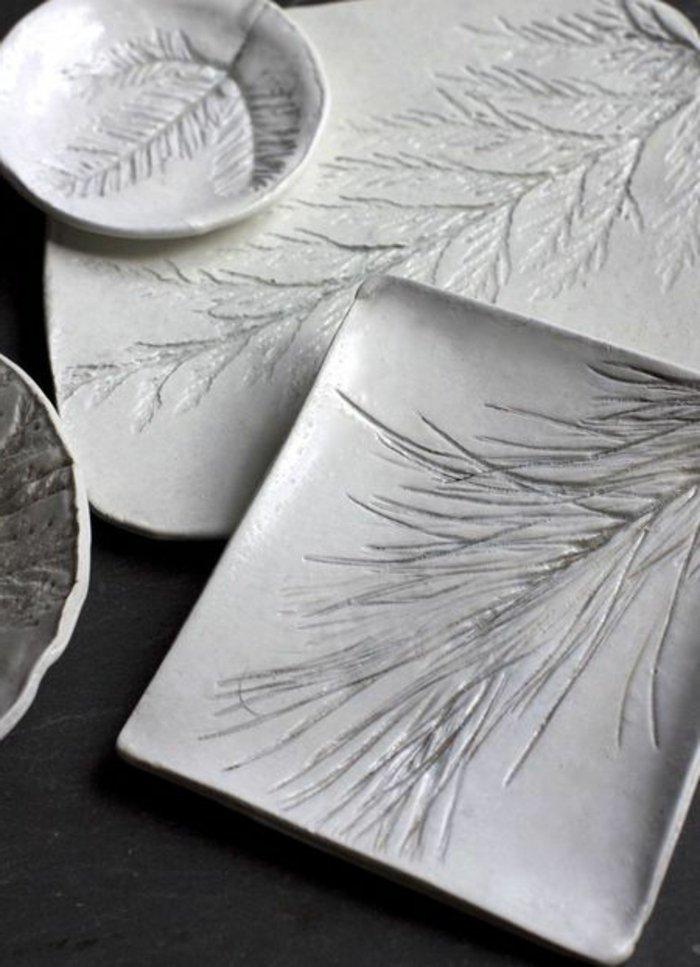 Geschirr-Teller-Keramik-weiss-Erlenzweige-abdrücke